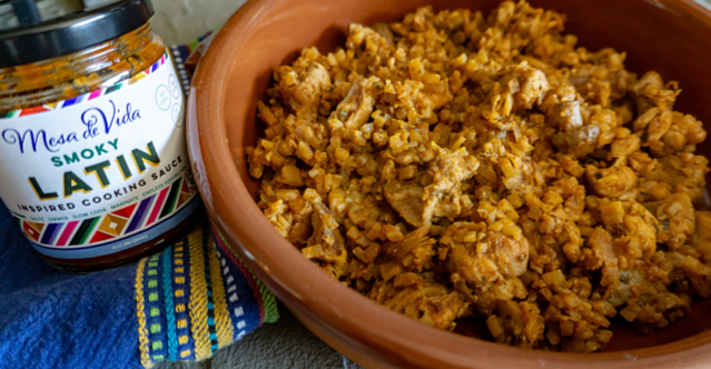 Cauliflower arroz con pollo with Latin sauce image
