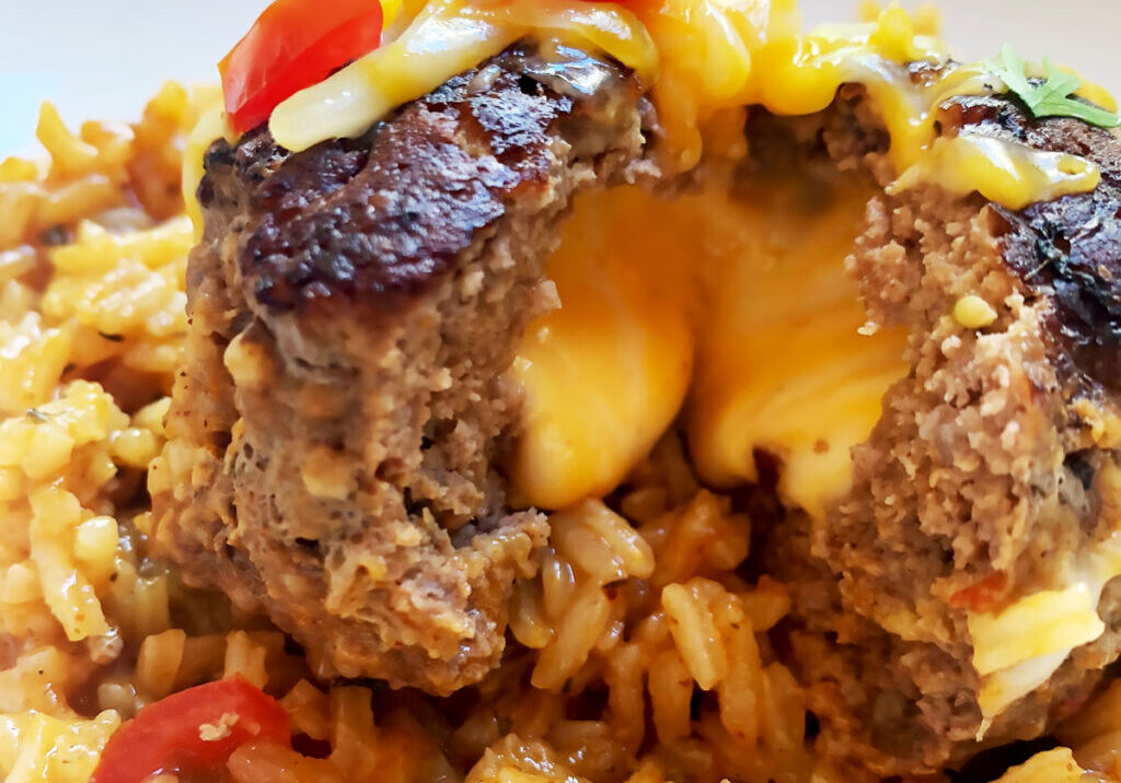 Cheesy-stuffed-skillet-meatloaves